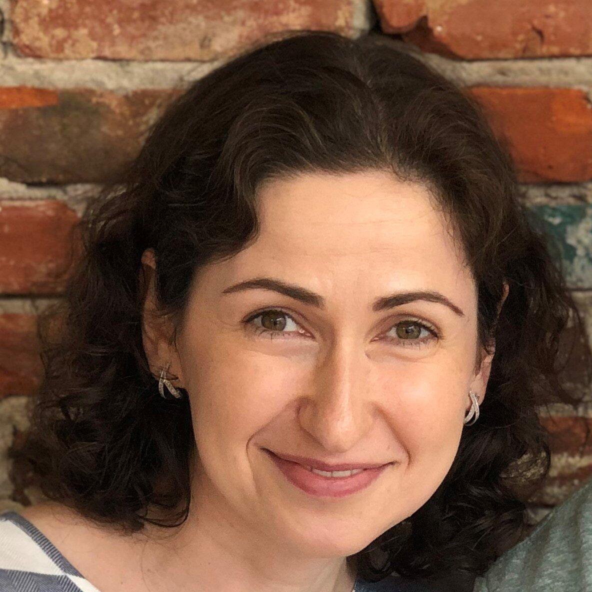 Alina Okun - Strategist. Consultant. Advisor.